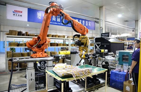 定子线圈自动包带机器人